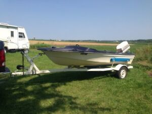 15 foot boat and trailer 45 Chrysler