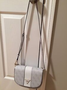 Sacoche Guess cooper crossbody authentique