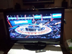 47'' LG 1080p LCD TV IMMACULATE COND. /PERFECT PIC/REMOTE