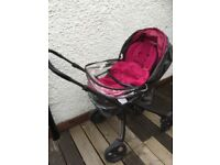 Mamas and Pappa's pram with adapter and carry cot