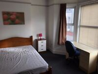 3 Rooms available for rent in Exeter next to St Davids Station. £100 all bills incl wifi