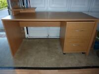 desk and matching 2 drawer cabinet
