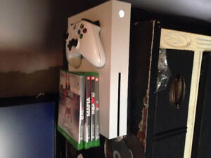 Xbox 1s, 1 controller, wwe2k17, mafia 3, NHL 16 and NBA 2k16