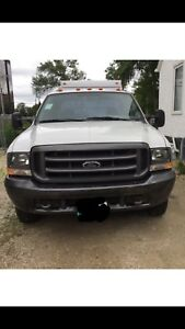 2004 Ford F-350 super duty only 121000km