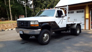 1997 Ford F-350 dually 4x4 5 speed 7.5 flat bed