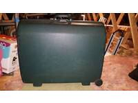 Large Samsonite suitcase and matching vanity case