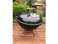 Mini Weber barbecue stand
