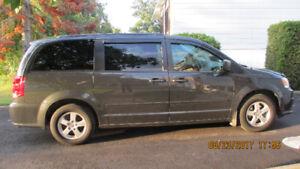 2012 Dodge Grand Caravan charcoal Familiale