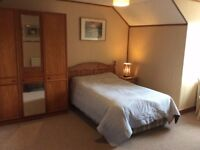 Large comfortable double room / bedsit