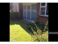 2 bedroom flat in Kent Rd, Portsmouth , PO5 (2 bed)