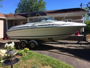 1996 SeaRay 215 express cruiser