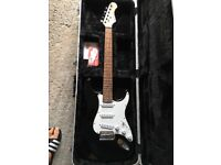 Excellent Condition electric beginners guitar