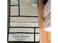 Ted baker mondi ( oversized check cape scarf)