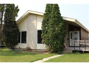 GORGEOUS home in GARDEN GROVE - Winnipeg