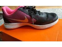 Size 4 girls nike trainer's