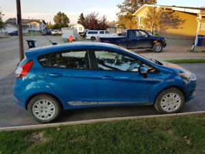 2014 Ford Fiesta 5-speed