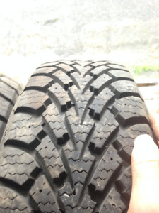 Goodyear Nordic Winter 185/65R14 neuf