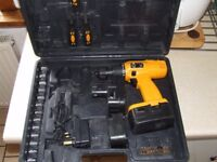 cordless drill 18v 2 battery and case only £25