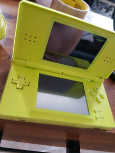 Nintendo DS lite plus game and case