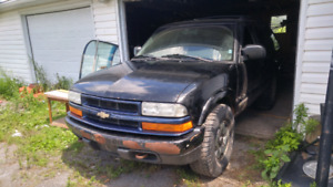 2005 chevy blazer 5 speed manual