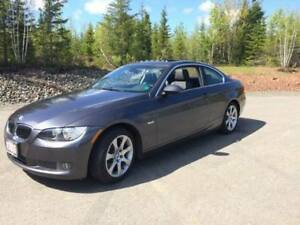 BMW 335xi Coupe AWD Low KMs