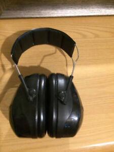 Isolation Headphones Vic