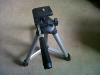 lightweight foldup telescopic tripod
