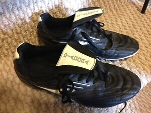 Boys 6.5 Diadora soccer cleats