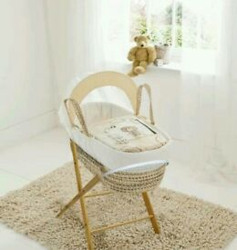Kinder valley Tiny Ted Plam moses basket, Cream. With free opal Folding stand. Brand new.