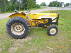 Tracteur Inter 434 industriel