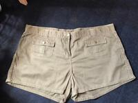 Dorothy perkins shorts size 20