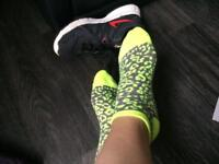 Lady's patterned ankle sports socks neon