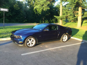 2010 Ford Mustang GT Coupe (2 door)