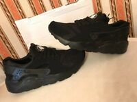 Nike Huaraches - size 8