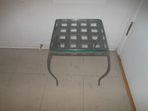 Plant stand with glass