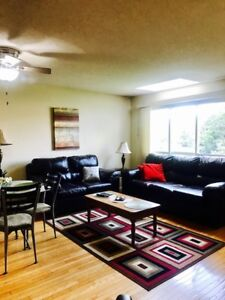 Furnished & Inclusive 3 Bdm Townhome Rental Dundas  avail  now