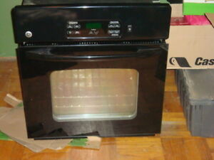 GE wall mounted Oven  Four encastree    Black    Noir