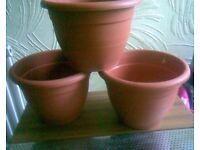 6 X NEW PLASTIC PLANT POTS