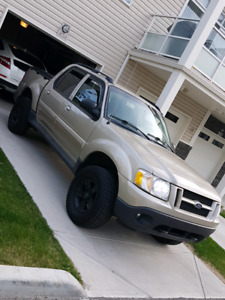 EXPLORER SPORT TRAC FOR SALE! BEST LOOKING ONE IN TOWN! TRADES!