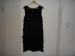 Robe noire, collection DONNA, style Charlestown / Black dress.