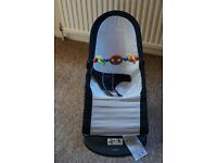 BabyBjorn bouncer black + wooden toy