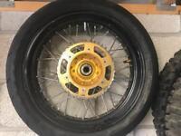 Suzuki Drz 400 fit supermoto wheels