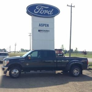 2015 Ford F-350 Lariat-NAV-NEW TIRES-MOON ROOF