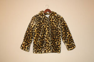 GIRL LEOPARD-PRINT COAT BARELY WORN, SIZE 10 BRAND CHRISTIE BROO