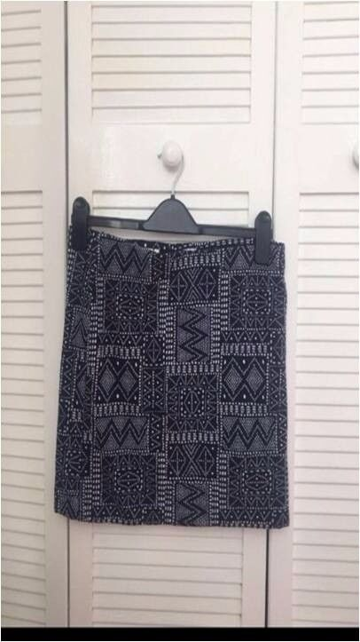 Bodycon skirtin Plymouth, DevonGumtree - H&M bodycon skirt, size medium, never been worn so in perfect condition