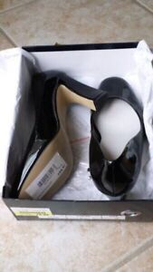 Brandnew women's party shoes,sandals,flats,safety shoes and more