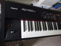 Roland RD 700 NX Digital Keyboard including Roland Sustain Pedal and Owners Manual