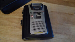 Sony TCM-465V Handheld Cassette Clear Voice Activated Recorder .