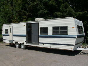 30 Ft TRAVEL  OR  PARK  MODEL ROYAL   NICE CLEAN  & DRY