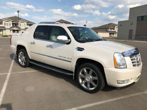 *REDUCED* 2007 Cadillac Escalade EXT. 59,000 km on 6.2L engine